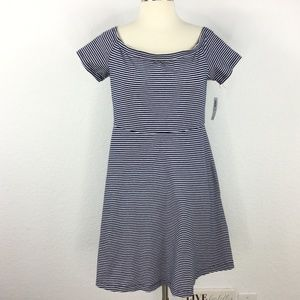 Old Navy Stripped Blue & While Short Dress Size M